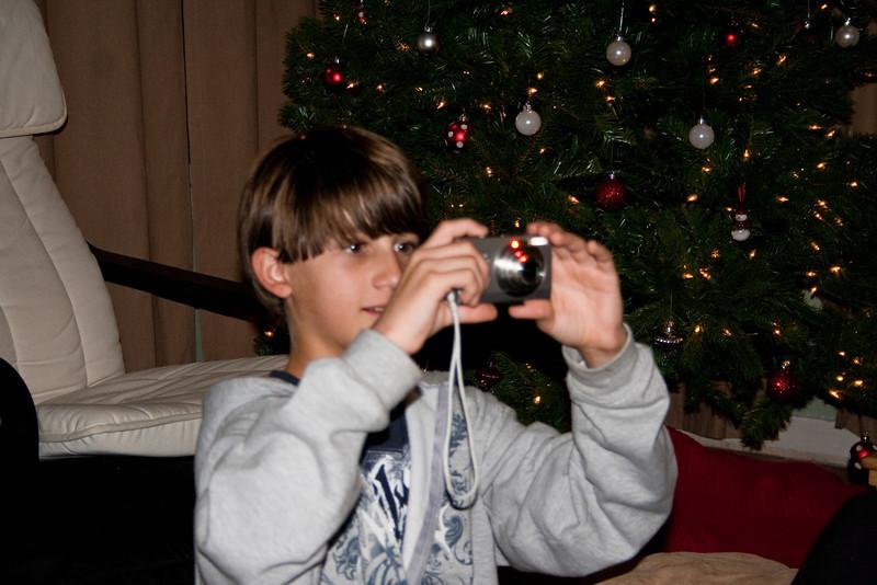 09 - Dec - 11 - Jr High 6th Grade All-Nighter-3834