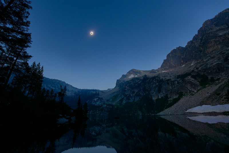 Total Solar Eclipse Over Alpine Lake Sawtooth Lake Idaho 2017 01.jpg