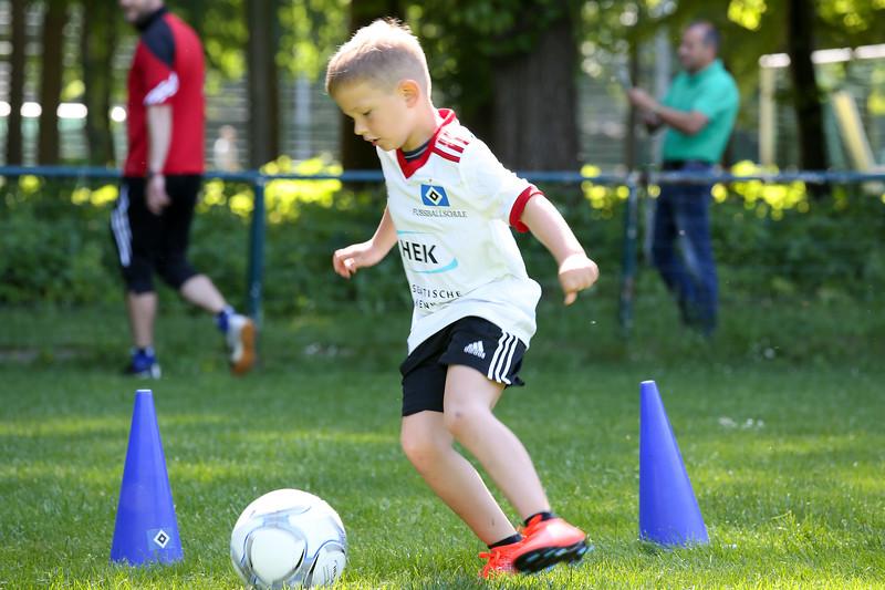 hsv_fussballschule-206_48047951496_o.jpg