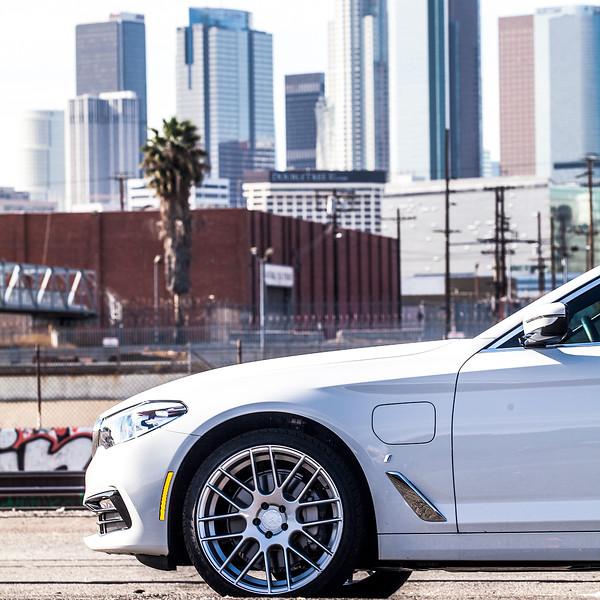 BMW_530e_05.jpg