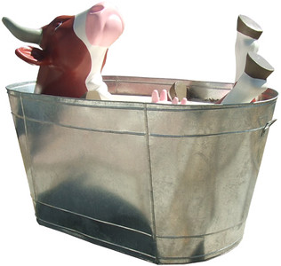 32 Milk Bath-Artista Celso García-Sponsor Grupo Lala