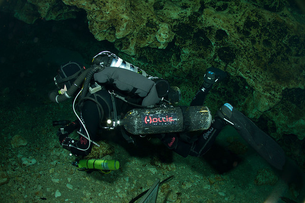 Ginnie Springs Cave Diving with the Kiss Spirit CCR