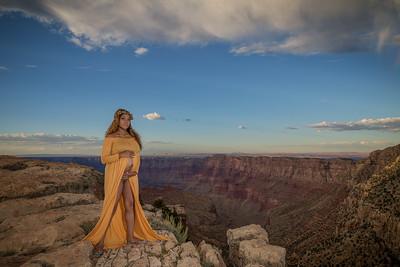 Jerenda's Maternity Photos at the Grand Canyon