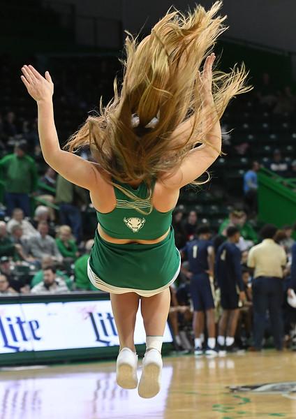 cheerleaders3674.jpg