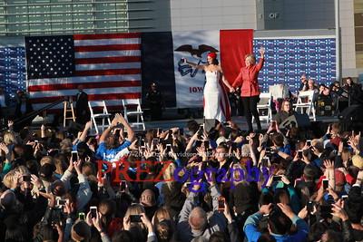 Hillary Clinton Katy Perry concert 10-24-15