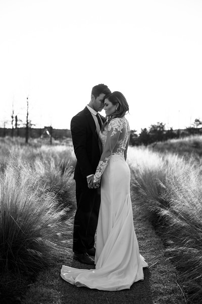 Kate&Josh_B&W_ZACH.WATHEN.PHOTOGRAPHER-456.jpg