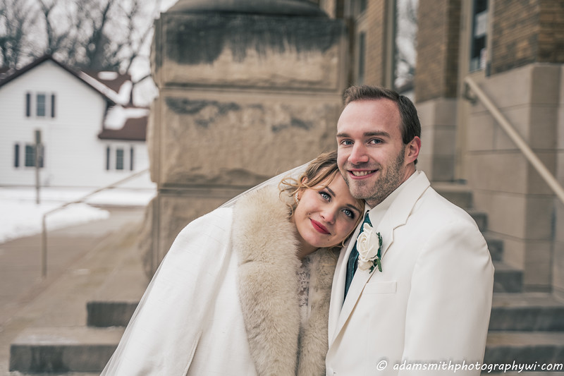 wedding-winter-wisconsin-adam-smith-photography-2.jpg