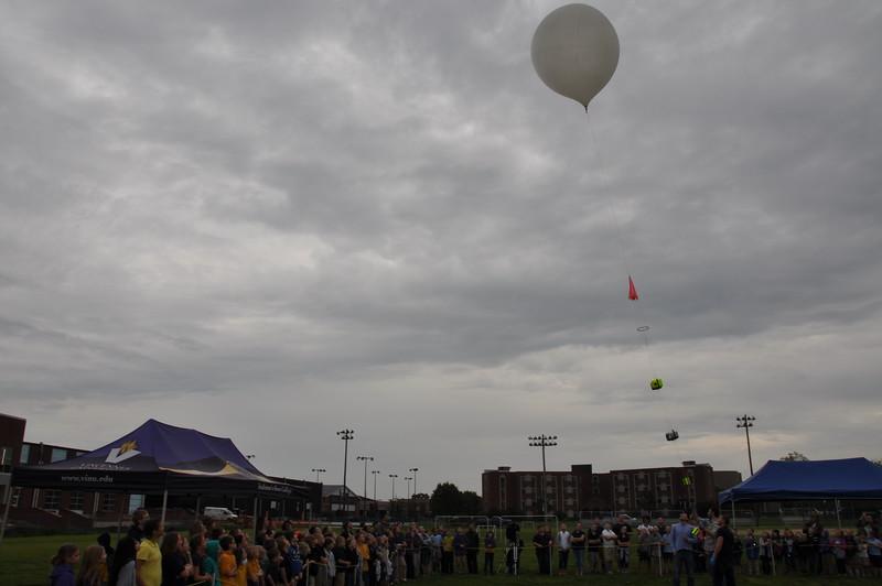 160509 VU Weather Balloon Launch (30).JPG