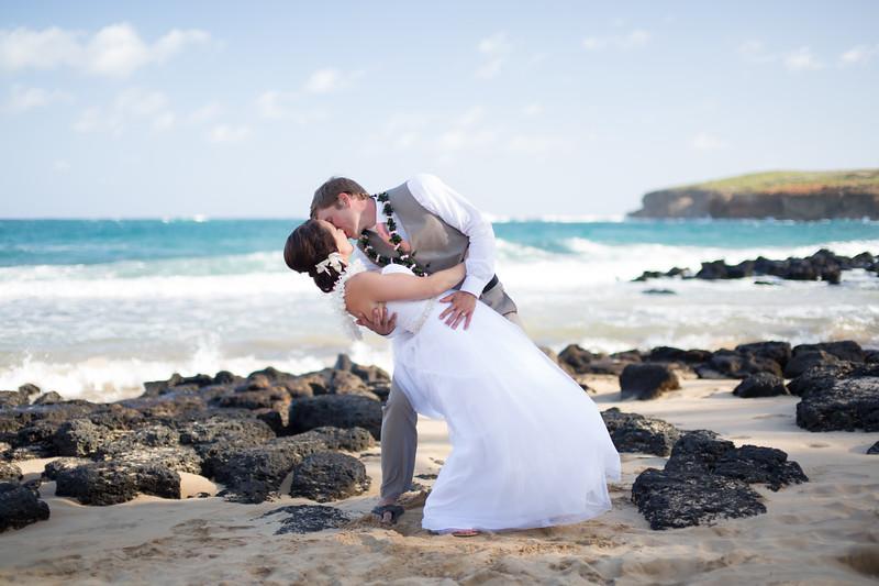gillin beach kauai wedding-150.jpg