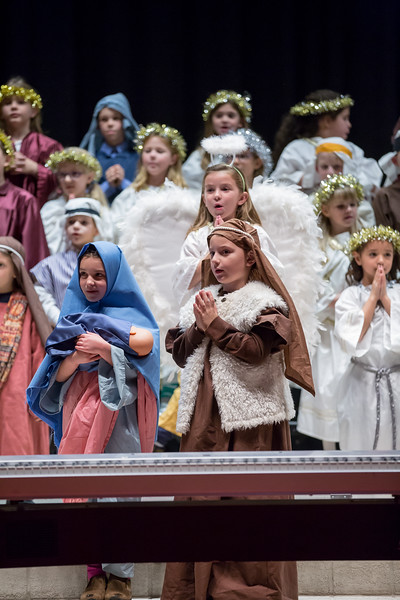 1st grade Christmas program (10 of 49).jpg
