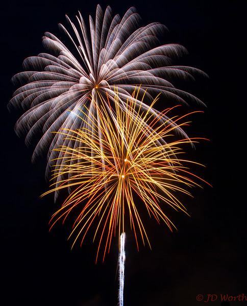 070417 Luray VA Downtown Fireworks - Cream Pinwheel Fan over Yellow Red Sea Urchin with White Rocket-0922.jpg