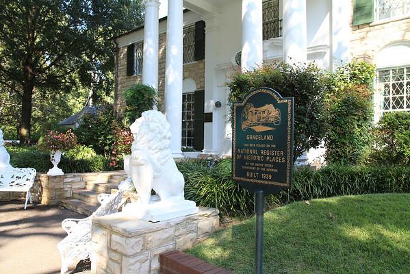Graceland, home of Elvis Presley, Memphis, Tenn.