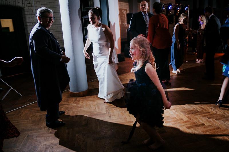 The Wedding of Nicola and Simon567.jpg