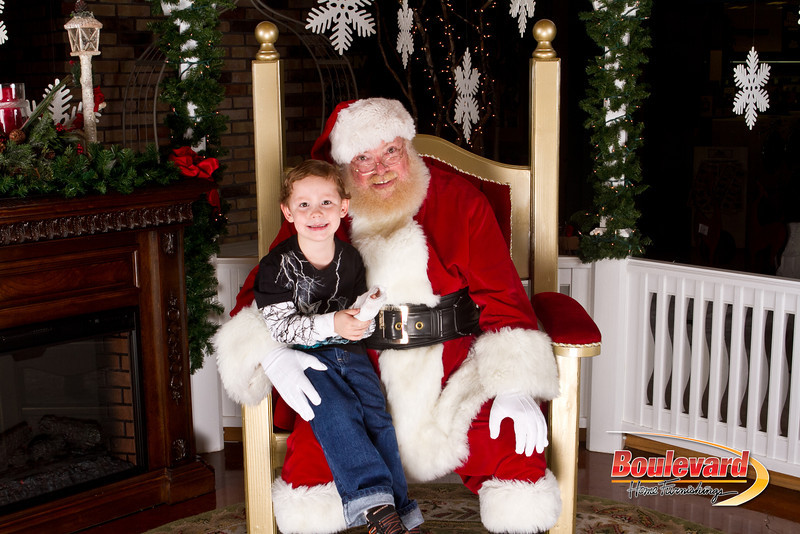 Santa Dec 15-80.jpg