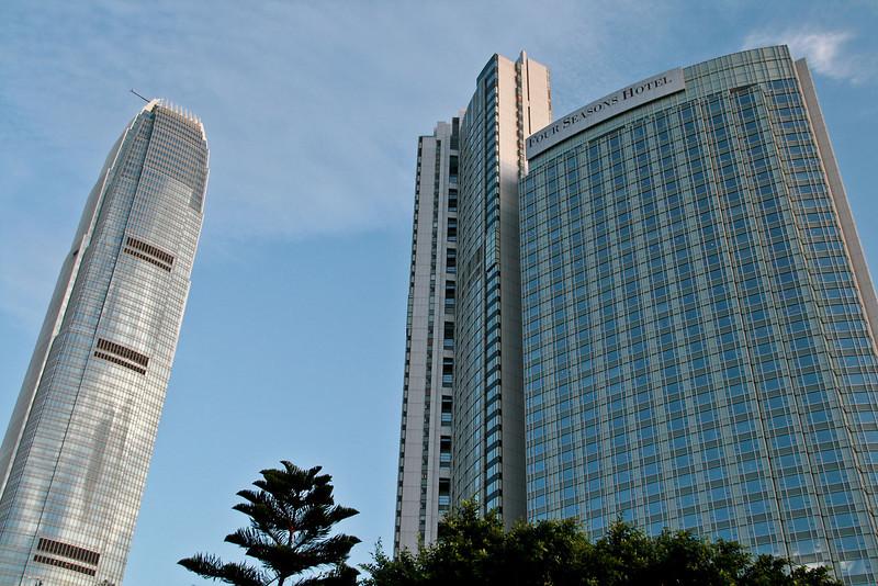 IFC2, Four Seasons Hotel