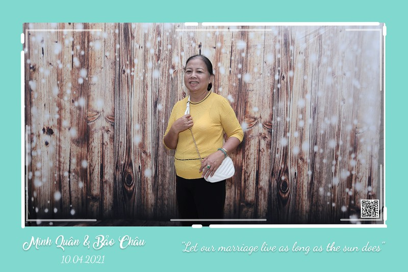 QC-wedding-instant-print-photobooth-Chup-hinh-lay-lien-in-anh-lay-ngay-Tiec-cuoi-WefieBox-Photobooth-Vietnam-cho-thue-photo-booth-065.jpg