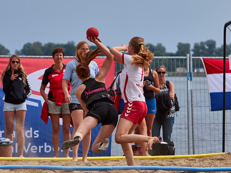 Molecaten NK Beach Handball 2015 dag 2 img 711.jpg