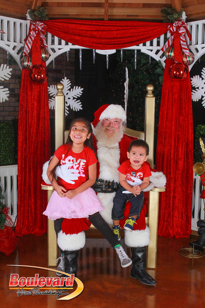 Santa 12-10-16-103.jpg
