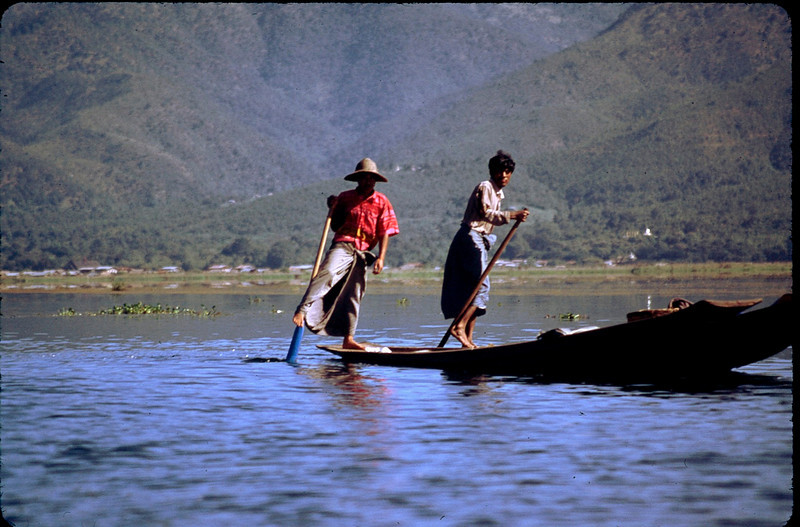Leg rowers of the Intha people