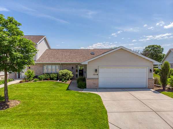1510 River Pines Dr Green Bay, WI