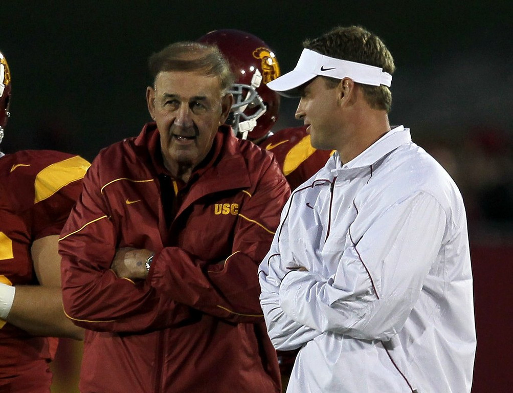 """. <p>7. MONTE KIFFIN <p>His coaching reputation now almost as bad as his son�s. (unranked) <p><b><a href=\'http://www.latimes.com/sports/la-sp-newswire-20140129,0,1404788.story#axzz2rorhSVkC\' target=\""""_blank\""""> HUH?</a></b> <p>   (Stephen Dunn/Getty Images)"""