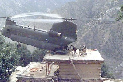 Vietnam chinook Helicopter rescue, Wowsers..