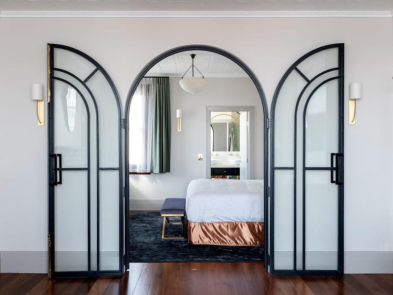 Tattersalls-Hotel-Armidale-by-Luchetti-Krelle-Yellowtrace-11.jpg