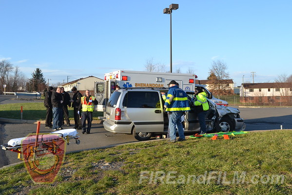 Schuylkill County - Shenandoah Borough - MVA w/ Rescue - 12/4/2011