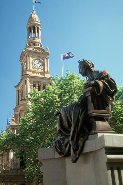 Australia - Sydney - Victroria Statue day CS.jpg