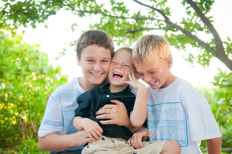 boys_laughing_DSC_5602.jpg