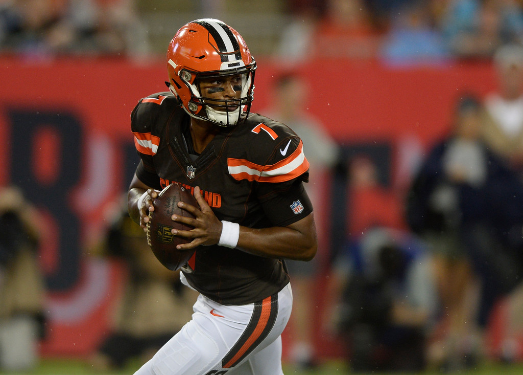 . Cleveland Browns quarterback DeShone Kizer (7) rolls out against the Tampa Bay Buccaneers during the second quarter of an NFL preseason football game Saturday, Aug. 26, 2017, in Tampa, Fla. (AP Photo/Jason Behnken)