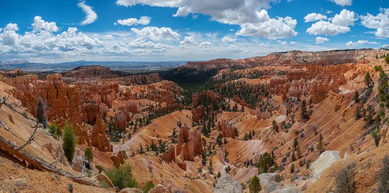 Bryce Panorama 01.jpg