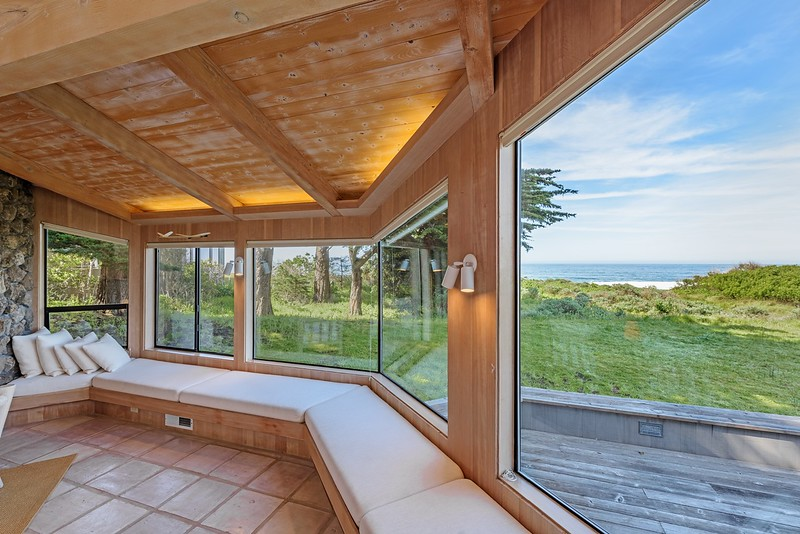 Window Seats with White Water Ocean Views