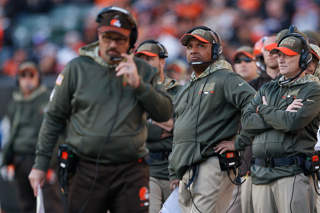 . Cleveland Browns head coach Hue Jackson, second from right, works the sideline in the second half of an NFL football game against the Cincinnati Bengals, Sunday, Nov. 26, 2017, in Cincinnati. (AP Photo/Gary Landers)