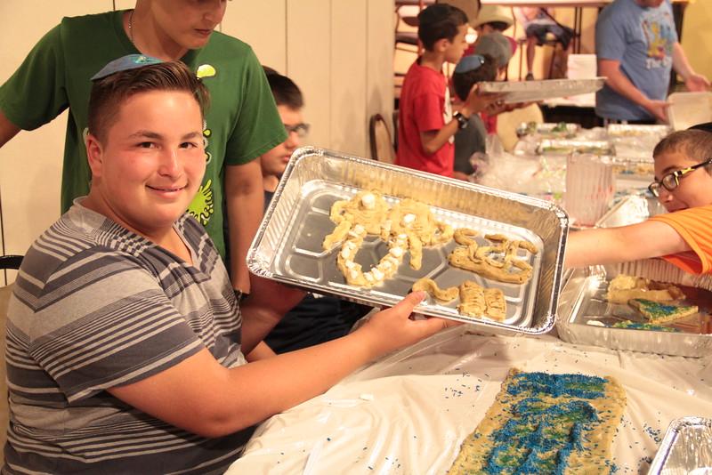 kars4kids_thezone_camp_2015_boys_boy's_division_night_activity_activities_IMD_cookie_baking_ (11).JPG