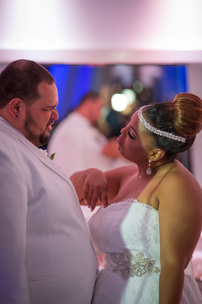 MEG_5547_tonya_josh_new jerrsey wedding photography.jpg