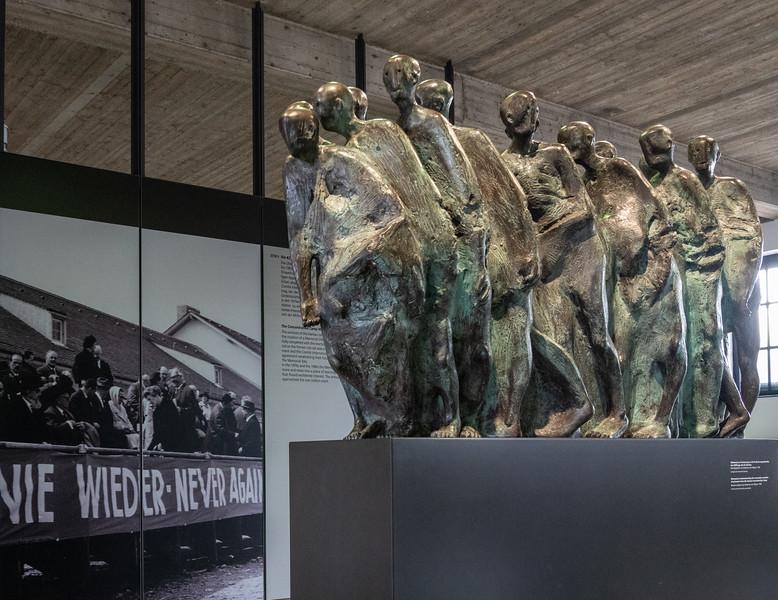 Monument commemorating evacuation marches