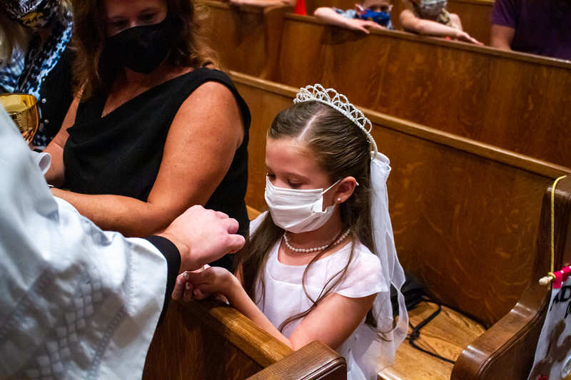 CNP_SATURDAY_FIRST_COMMUNION-34.jpg
