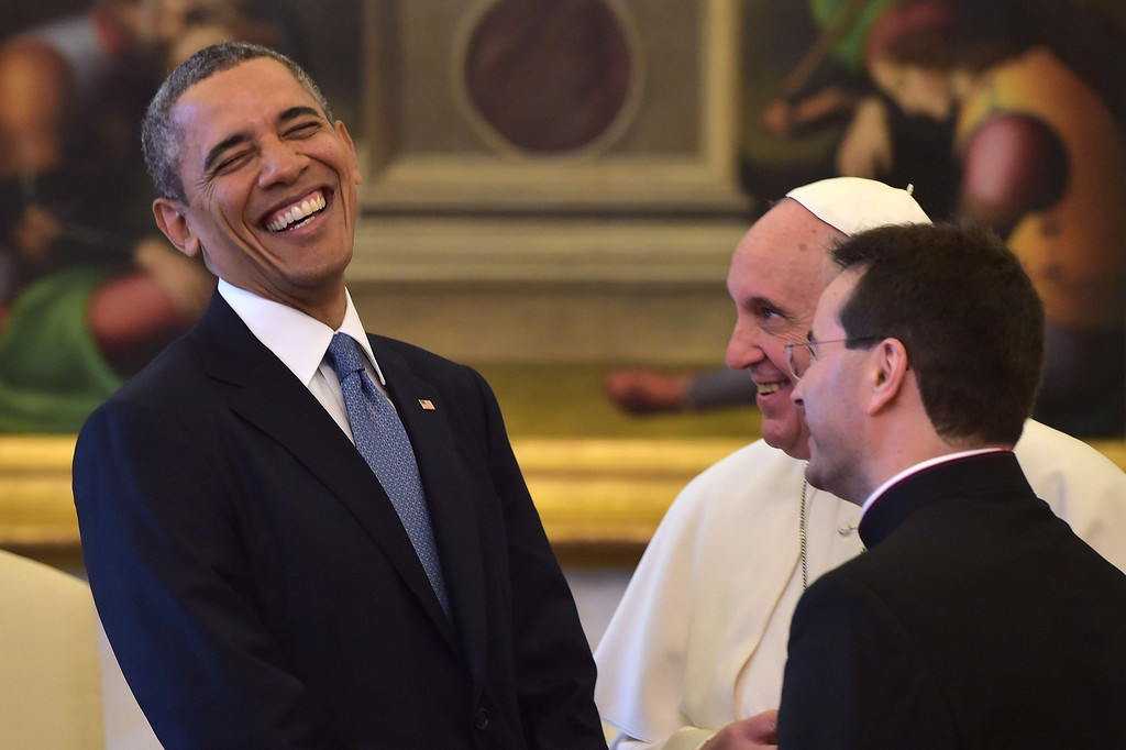 . Pope Francis (C) speaks with US President Barack Obama during a private audience on March 27, 2014 at the Vatican.   AFP PHOTO POOL / GABRIEL BOUYS/AFP/Getty Images