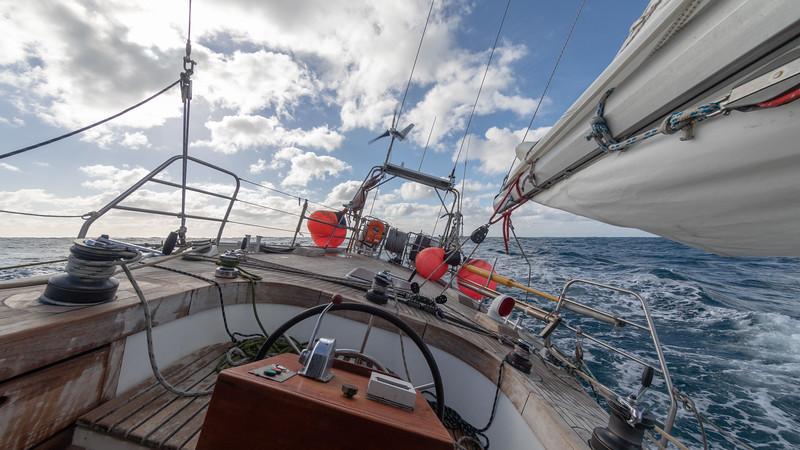 Das Schiff liegt gut im Wind