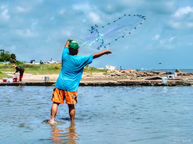 20190620_Galveston_Island_Fisherman_Bait_Casting_750_1858.jpg