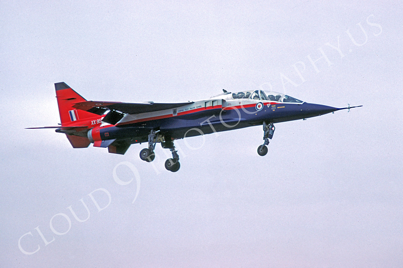 SEPECAT Jaguar 00012 SEPECAT Jaguar British RAF Empire Test Pilot School XX915 by Clive Moggoridge.JPG