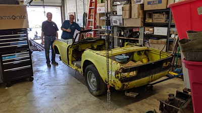 2019-07-27 - Yellow TR6 ready for scrap