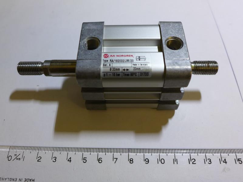 31939D.JPG