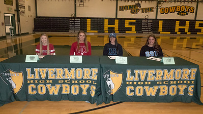 170201s LHS SIGNING DAY (SOCCER)