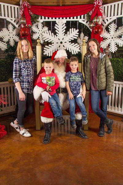 Santa 12-16-17-246.jpg