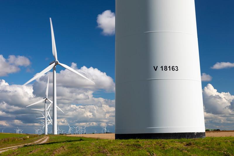 Tech-Windturbine-2010-08-03-_MG_2500-Danapix.jpg