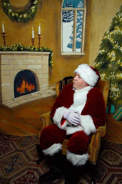 Pictures with Santa Earthbound 12.2.2017-038.jpg