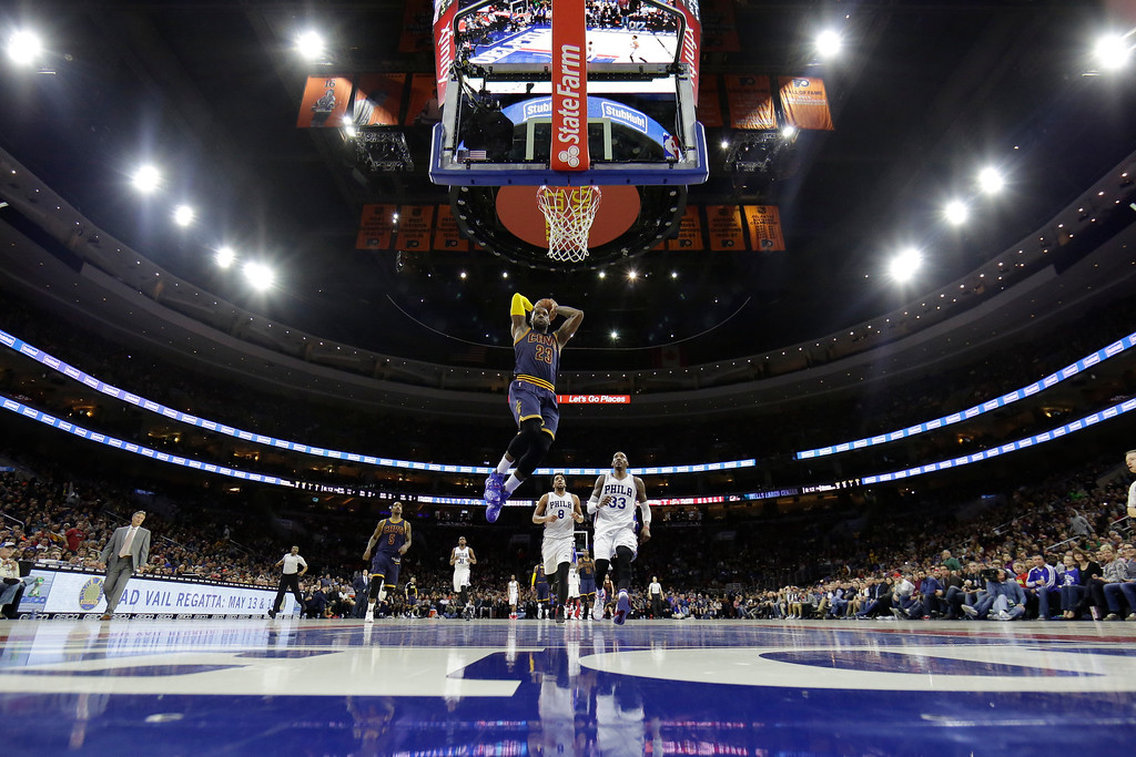 . Cleveland Cavaliers\' LeBron James in action during an NBA basketball game against the Philadelphia 76ers, Sunday, Jan. 10, 2016, in Philadelphia. (AP Photo/Matt Slocum)