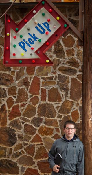 Tim Senior Pics 96804.jpg